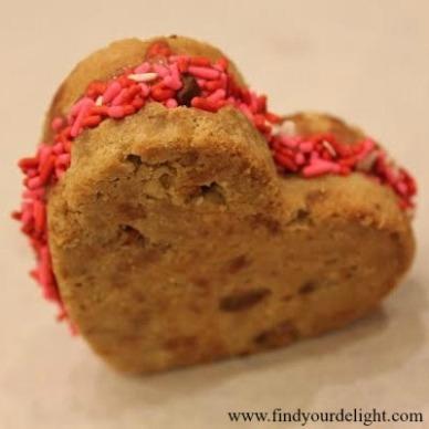 Valentine's Day heart ice cream sandwich recipe www.findyourdelight.com